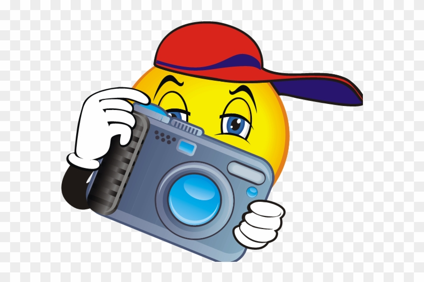 Camera Clip Art And Graphics Free Clipart Images - Smiley Face With Camera #16849