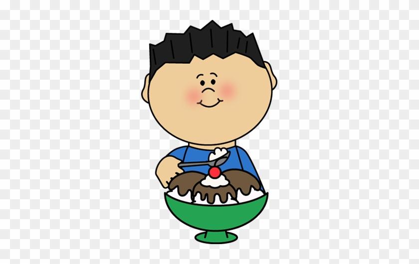 Eating Hot Fudge Sundae Clip Art - Kid Eating Icecream Clipart #171846